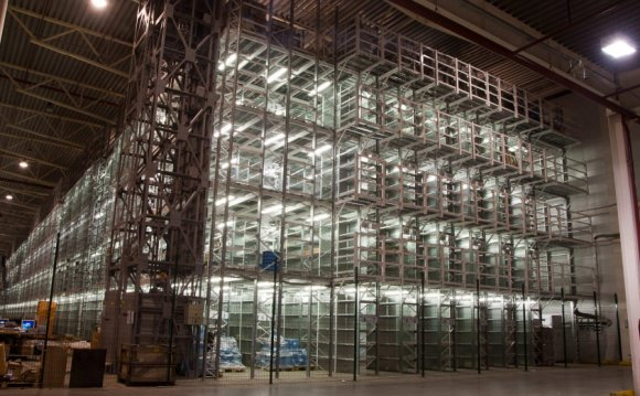 Освещение склада мезонина
