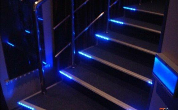 Подсветка ступеней лестницы: